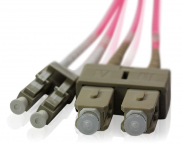 LWL Patchkabel SC/UPC - LC/UPC OM4 - 2,0 mm x 4,0 mm
